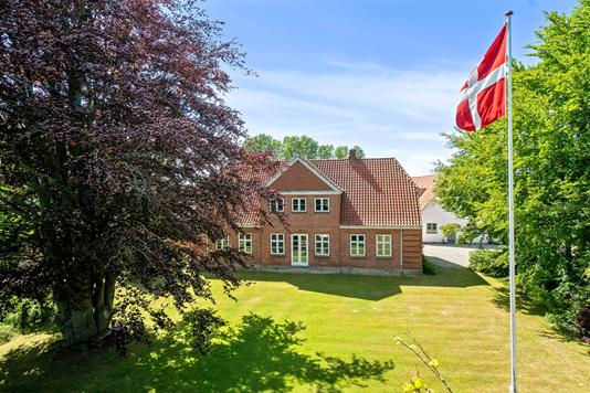 Villa på Næstvedvej i Lundby - Set fra haven