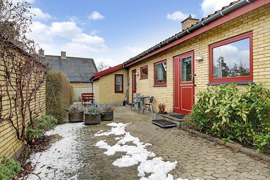 Villa på Åsevej i Værløse - Indgangsparti