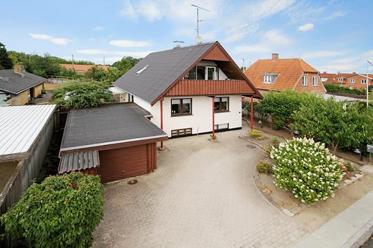 Villa på Marsk Stigs Alle i Bagsværd - Indkørsel
