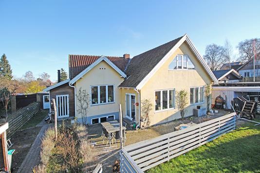 Villa på Ulvebjerg i Bagsværd - Ejendommen