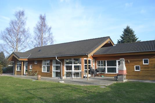 Fritidsbolig på Holmegårdsvej i Væggerløse - Ejendommen