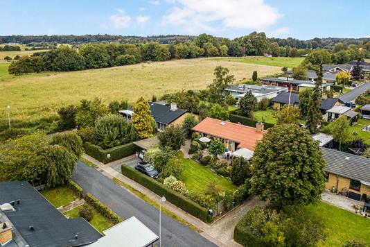Villa på Elmebakken i Snekkersten - Luftfoto