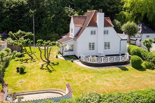 Villa på Nordre Strandvej i Ålsgårde - Ejendommen
