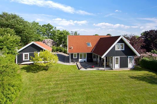 Villa på Skellebækbakken i Ålsgårde - Ejendommen