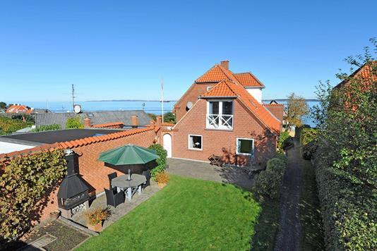 Villa på Nordre Strandvej i Ålsgårde - Facade havesiden