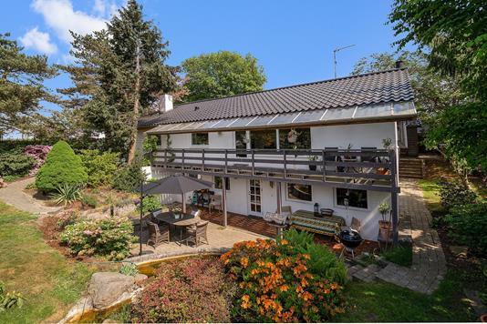 Villa på Tjellesensvej i Espergærde - Set fra haven