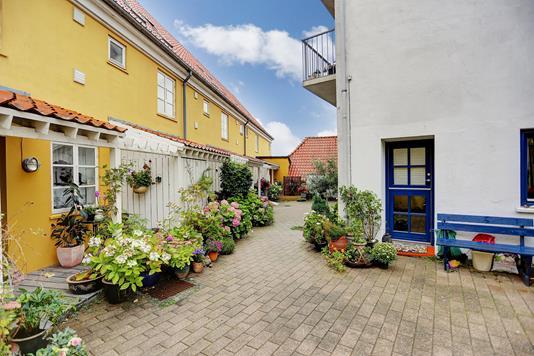 Rækkehus på Bøssemagergade i Hellebæk - Ejendommen