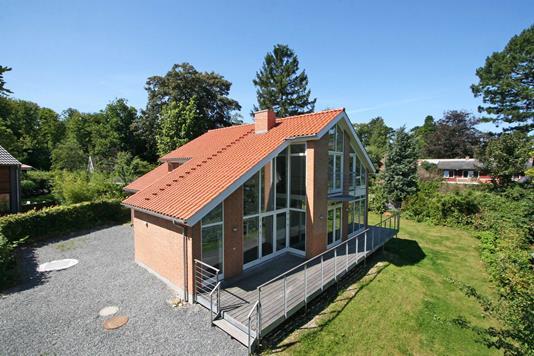 Villa på Sveasvej i Hellebæk - Ejendommen