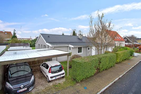 Villa på Stubvænget i Espergærde - Set fra vejen