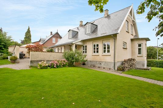 Villa på Marienlyst Alle i Helsingør - Set fra haven