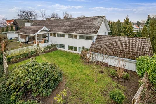 Villa på Nørrevænget i Snekkersten - Ejendommen