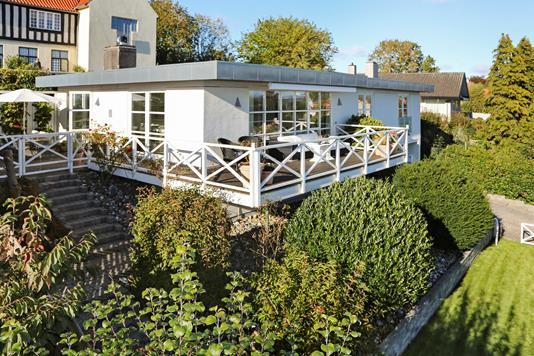 Villa på Lokkerupvej i Snekkersten - Ejendommen
