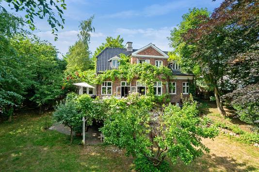 Villa på Kongevejen i Helsingør - Set fra haven