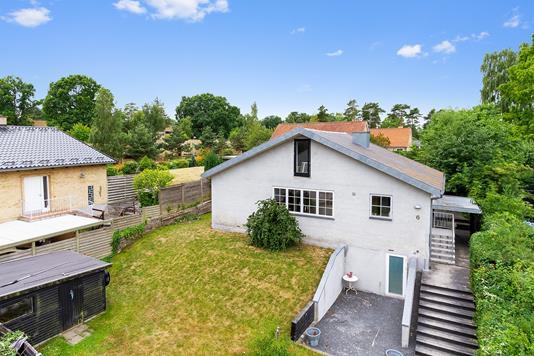 Villa på Carl Plougs Vej i Helsingør - Set fra vejen