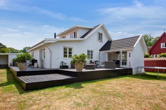 Villa på Heimdalsvænget i Ålsgårde - Set fra haven