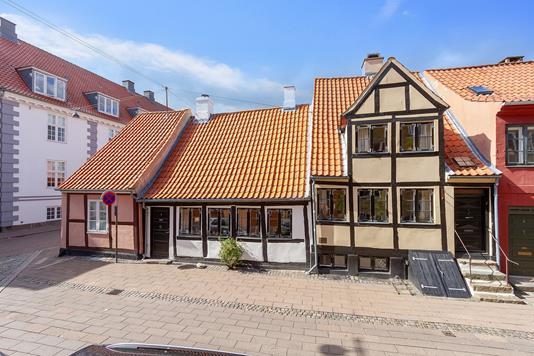 Villa på Sct Olai Gade i Helsingør - Set fra vejen