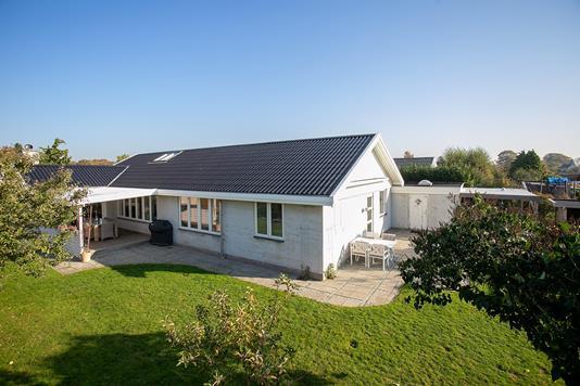 Villa på Rønnevænget i Snekkersten - Set fra haven