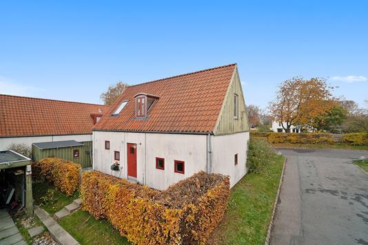 Villa på Vingen i Ålsgårde - Set fra vejen