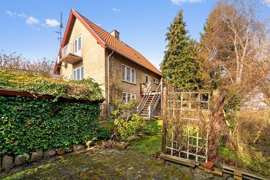 Villa på Jernbanegade i Fredensborg - Set fra haven
