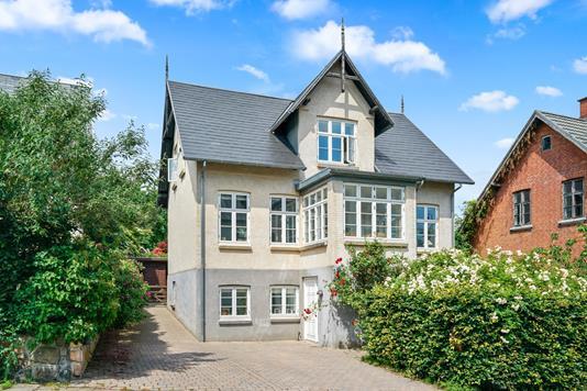 Villa på Ørebakken i Helsingør - Ejendommen