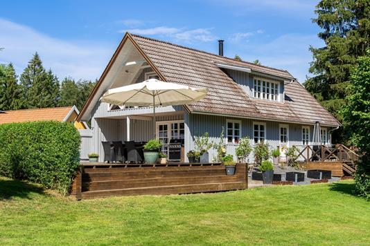 Villa på Enebærvej i Tikøb - Set fra haven