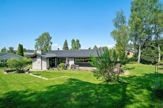 Villa på Aage Berntsens Alle i Ballerup - Ejendommen