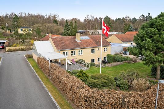 Villa på Egebjerghuse i Ballerup - Set fra vejen