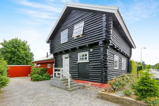 Villa på Ballerupvej i Værløse - Ejendommen