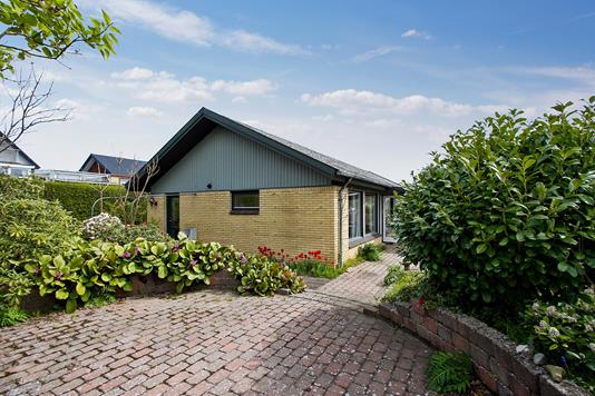 Villa på Bybakken i Stenløse - Ejendommen