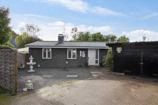 Villa på Hove Bygade i Smørum - Set fra vejen