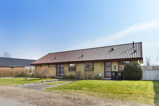 Villa på Møllestykket i Måløv - Set fra vejen