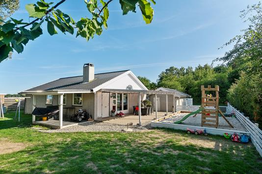 Villa på Roskildevej i Ølstykke - Set fra haven
