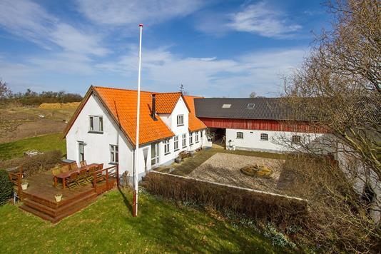 Landejendom på Stenstrupvej i Højby - Ejendommen