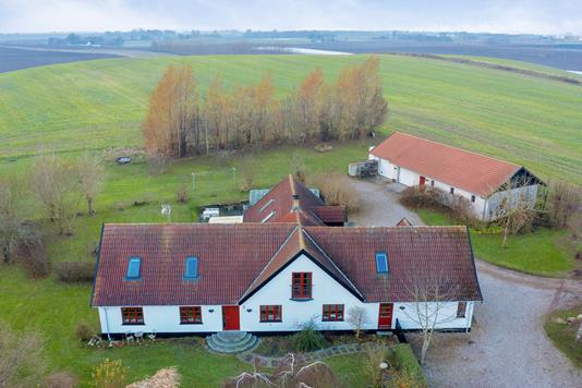Landejendom på Møllevangen i Hørve - Luftfoto