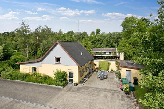 Villa på Næsdal i Asnæs - Ejendommen