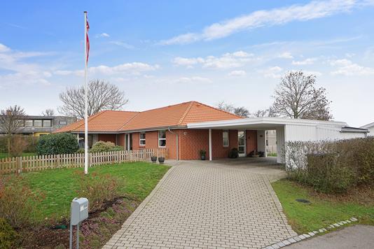 Villa på Baeshøjgårdsvej i Vig - Set fra vejen