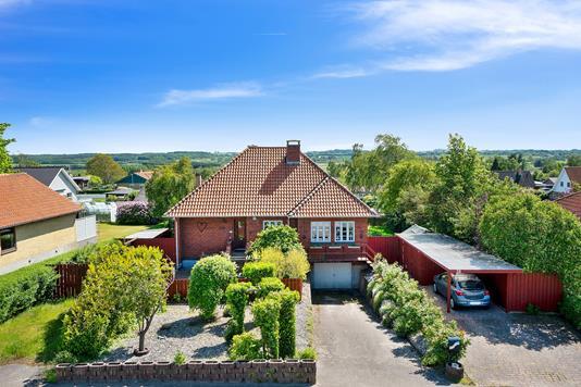 Villa på Møllevej i Vig - Set fra vejen