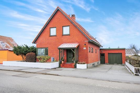 Villa på Hovedgaden i Søllested - Ejendommen