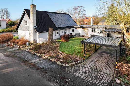 Villa på Rubbeløkkevej i Rødby - Ejendommen