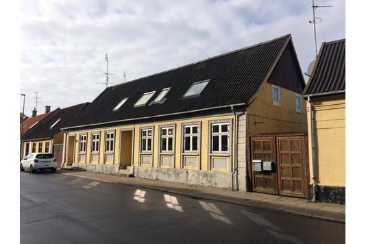 Villa på Vestergade i Sakskøbing - Ejendommen