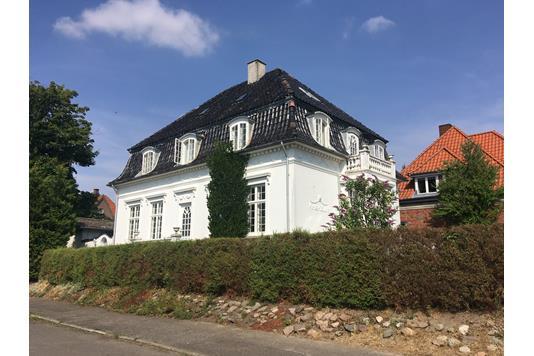 Villa på Strandvej i Rødby - Ejendommen