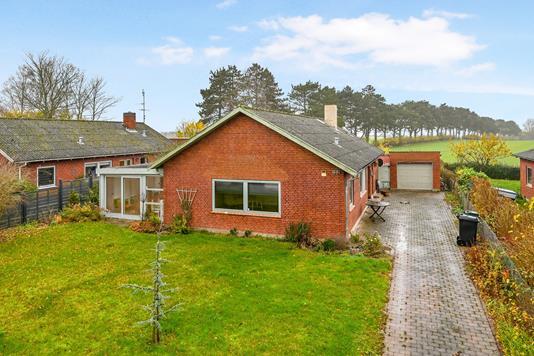 Villa på Birketvej i Bandholm - Ejendom 1