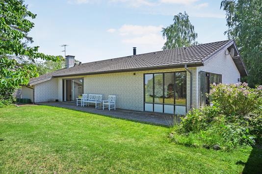 Villa på Kildevænget i Holeby - Ejendom 1