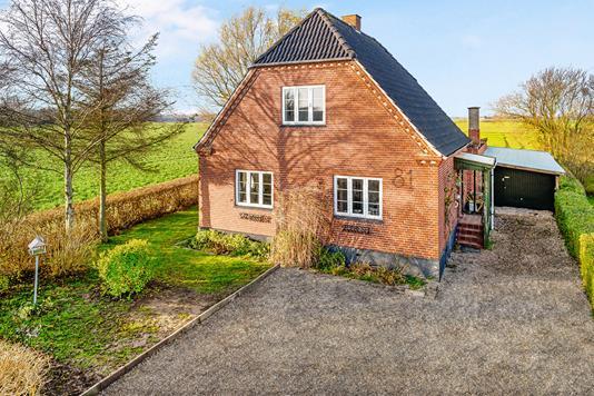 Villa på Reersnæs Strandvej i Bandholm - Ejendommen