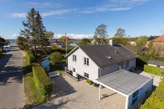 Villa på Færgevej i Frederikssund - Ejendommen