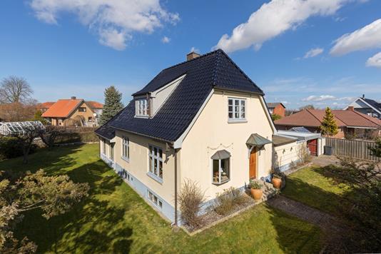 Villa på Maglehøjvej i Frederikssund - Ejendommen