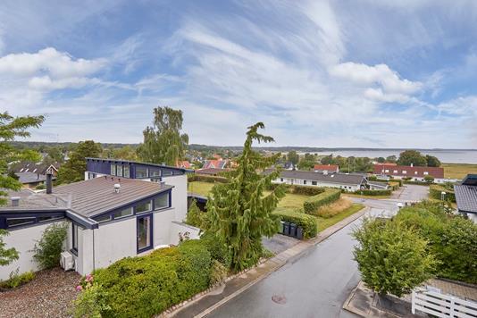 Villa på Thyrasvej i Jægerspris - Ejendommen