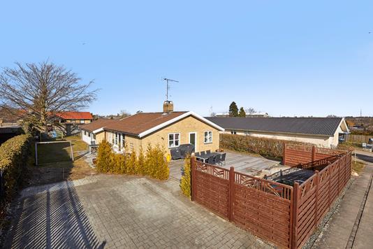 Villa på Rolf Krakesvej i Frederikssund - Ejendommen