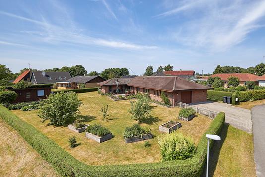 Villa på Kærstrædet i Skibby - Ejendommen