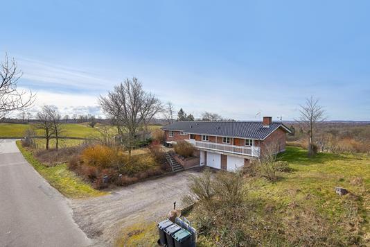 Villa på Langåsen i Jyderup - Ejendommen